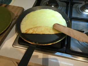 When you get this color the crepe can be flipped over